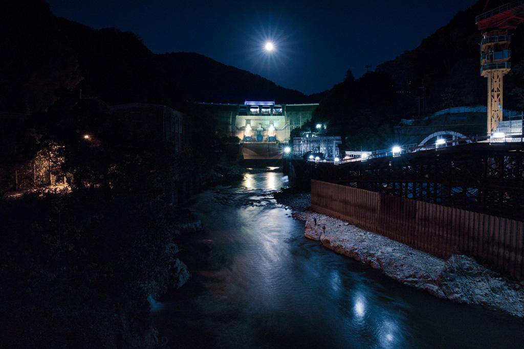 夜 天ヶ瀬ダムの写真素材
