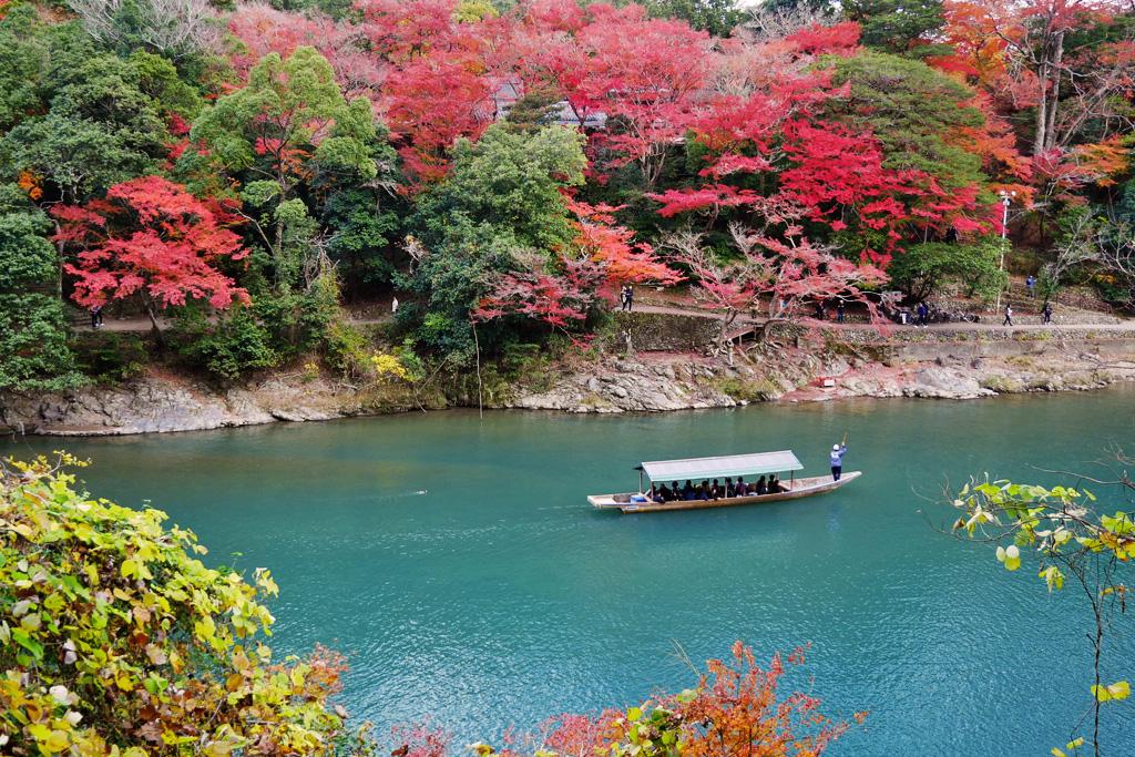 嵐山渡月橋・紅葉の写真素材