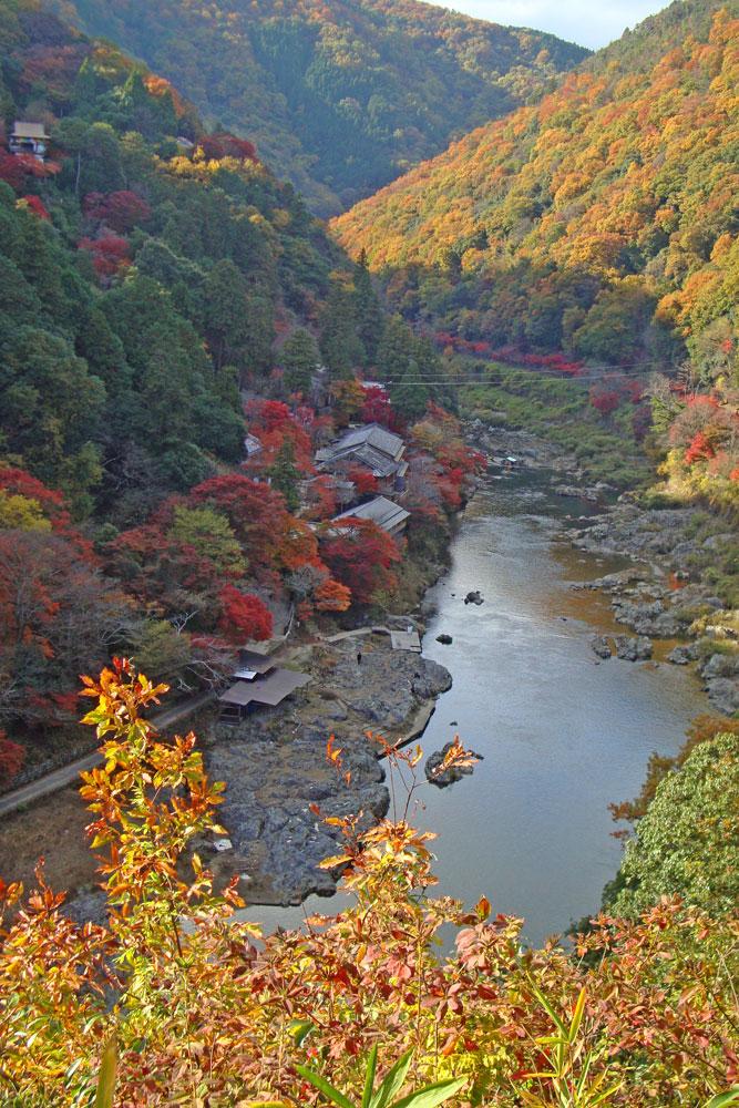京都 嵐山星のやの紅葉