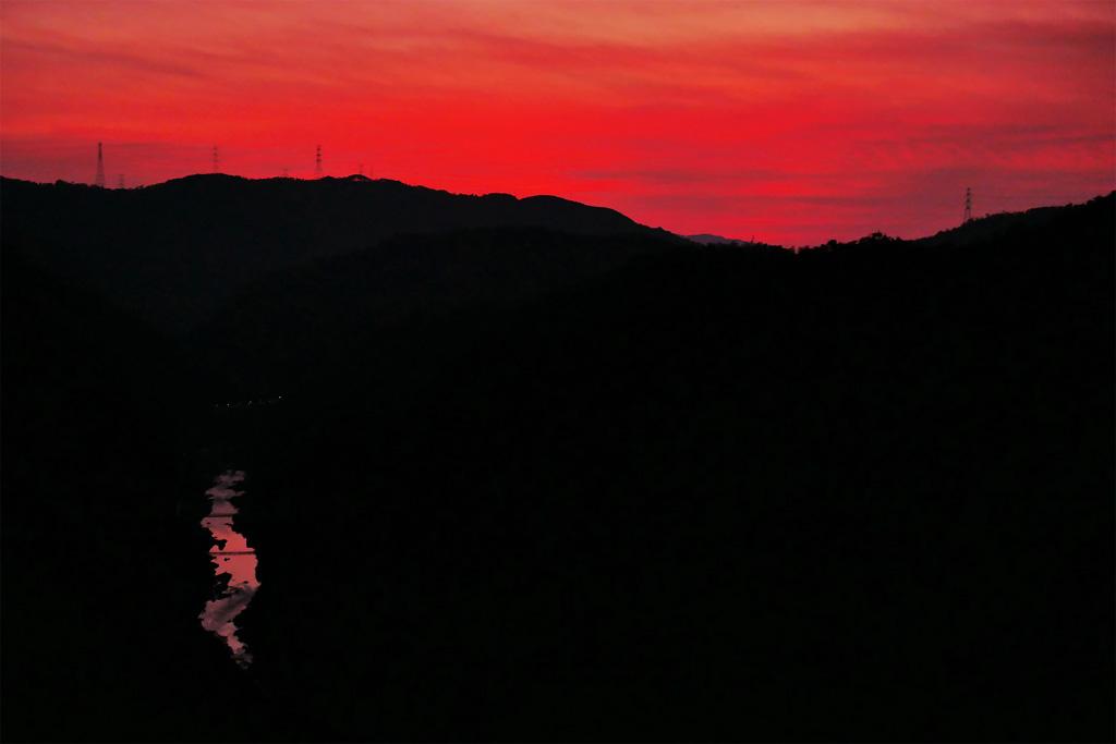 嵐山高雄パークウェイの夕焼けの写真素材