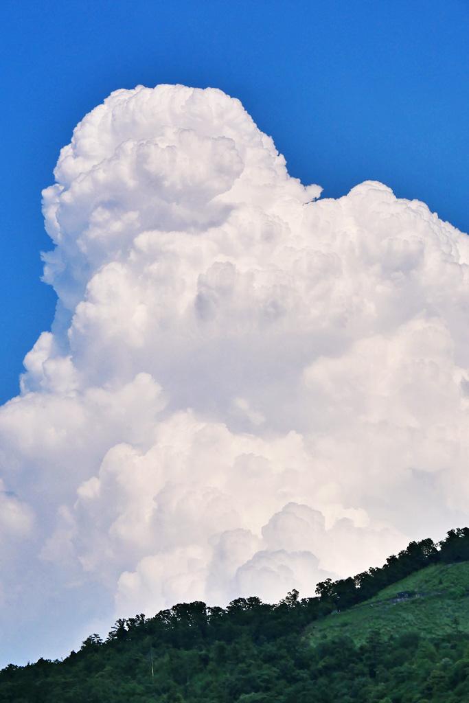 入道雲と 大文字