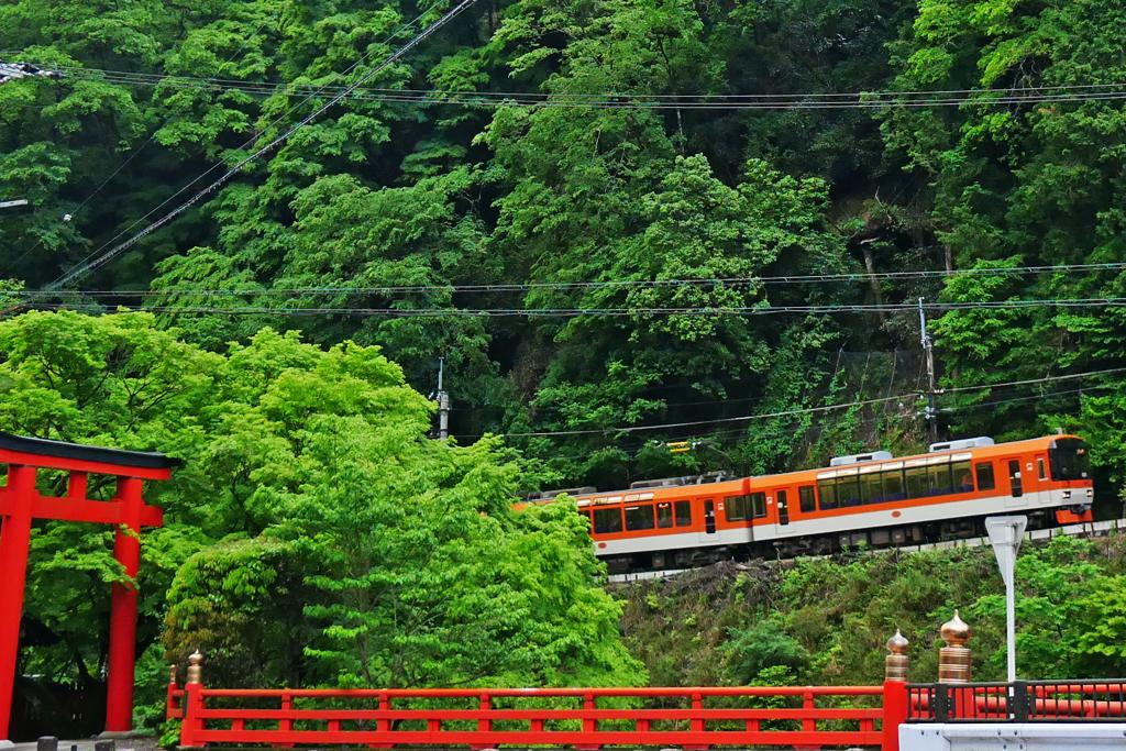貴船神社と叡電の写真素材