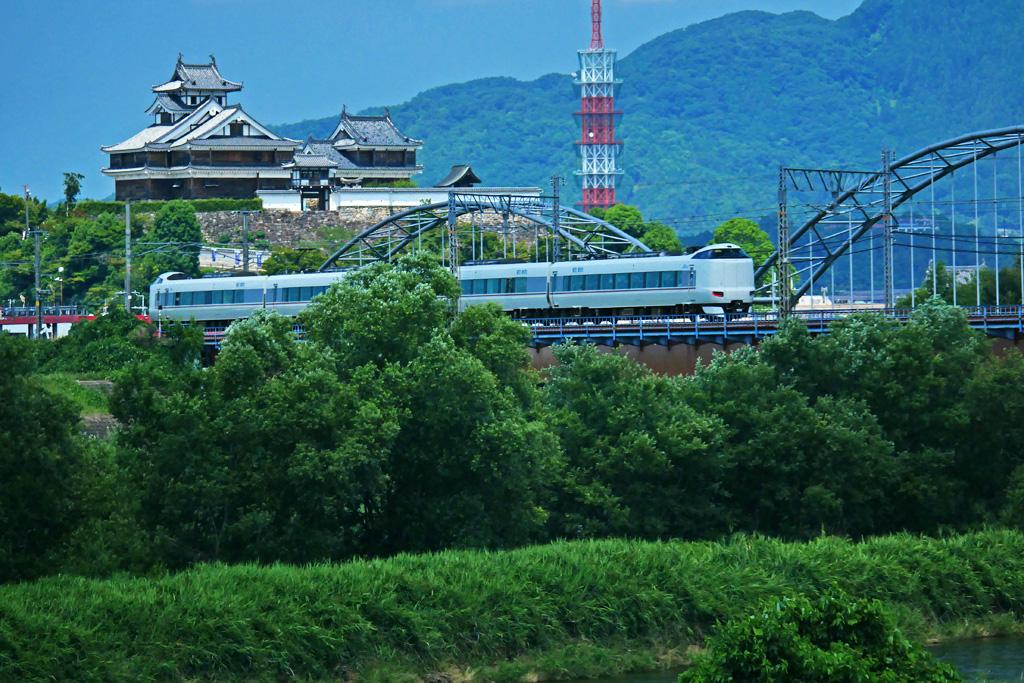 土師川橋梁と福知山城の写真素材