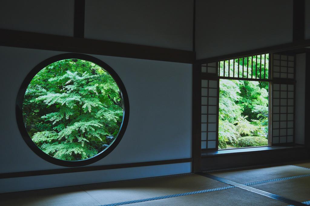 源光庵の窓の写真素材