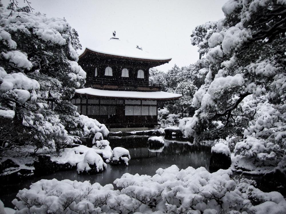 雪の日の銀閣