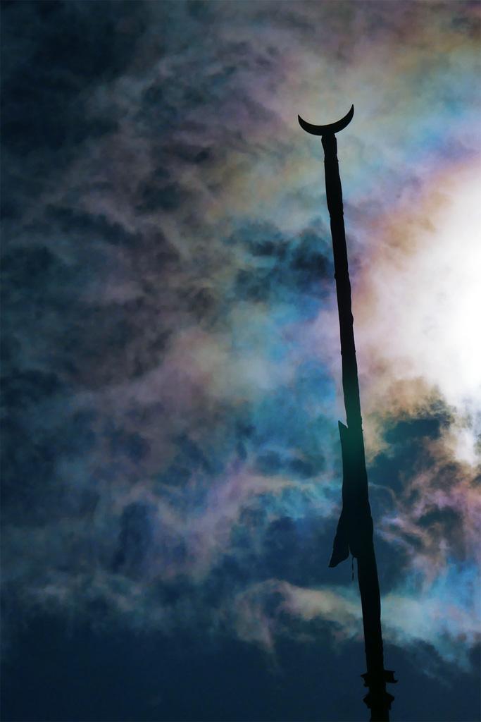 彩雲と祇園祭の月鉾の写真素材