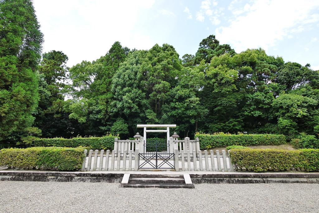 朱雀天皇陵の写真素材