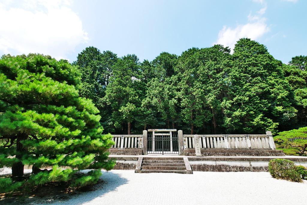 天智天皇陵の写真素材