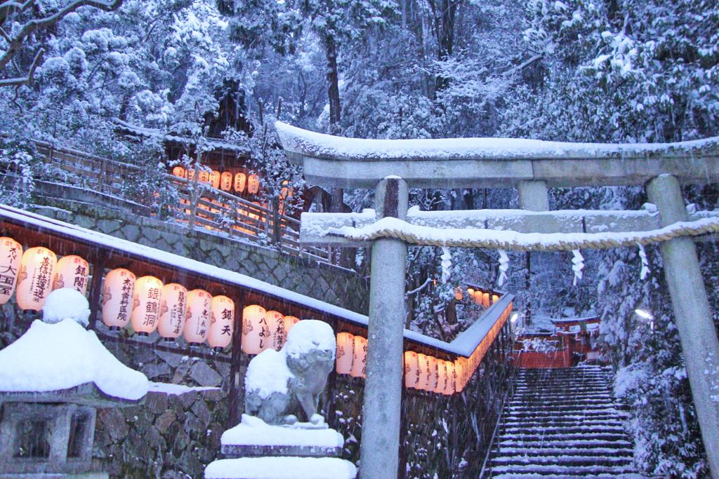 八神社の写真素材