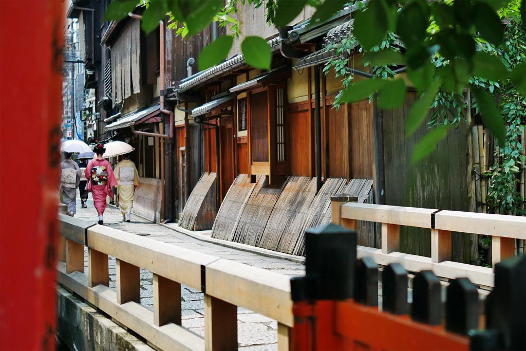 巽橋 祇園甲部の八朔の写真素材