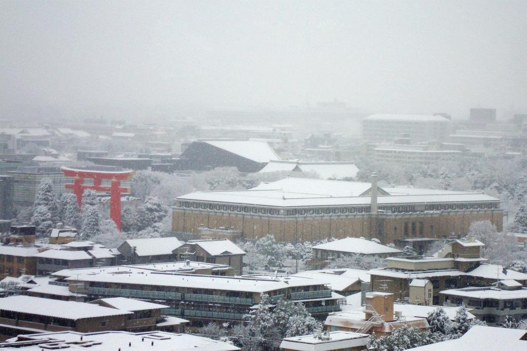 平安神宮の雪の写真素材