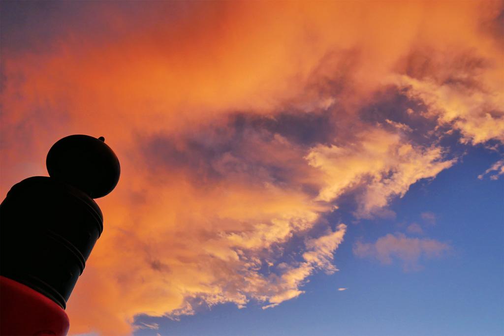 平安神宮の夏の夕焼け空の写真素材