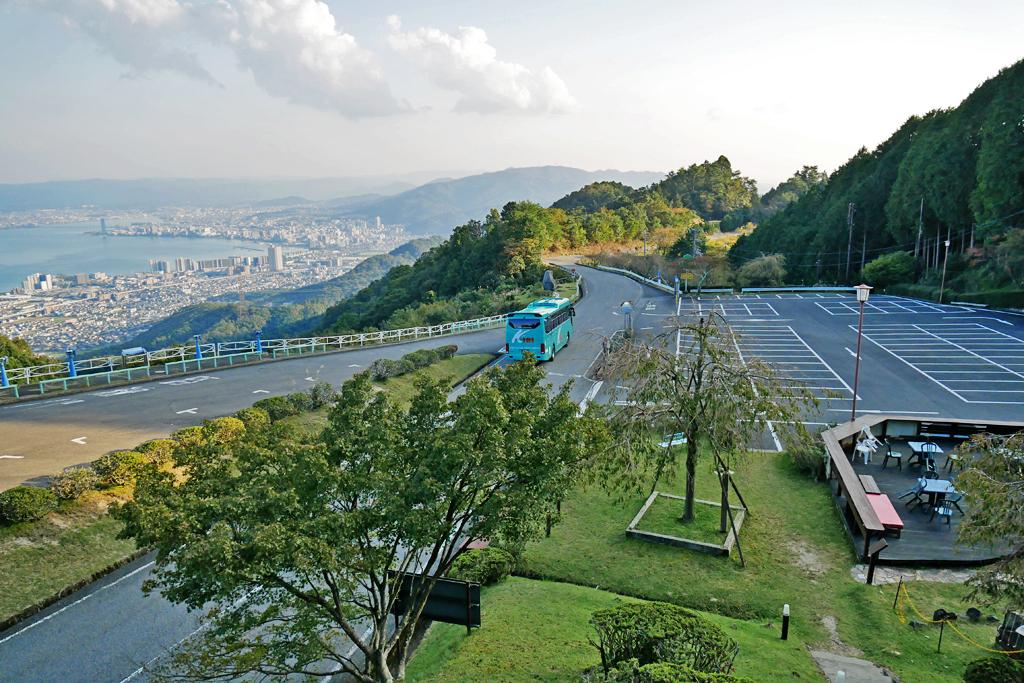 比叡山ドライブウェイの道路の写真素材