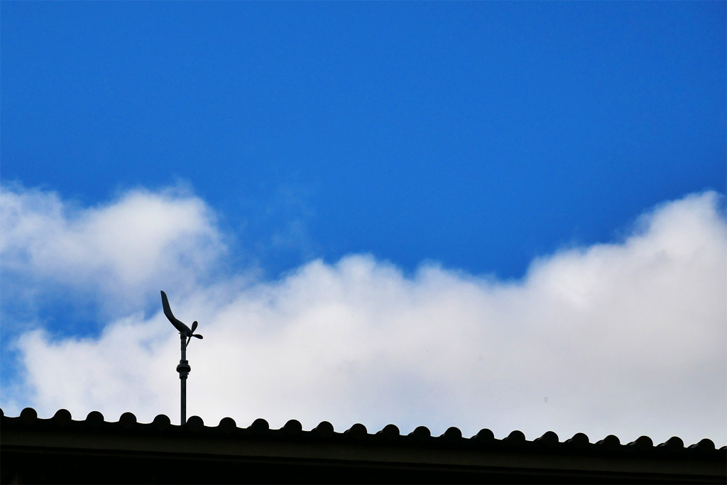 飛行神社の写真素材