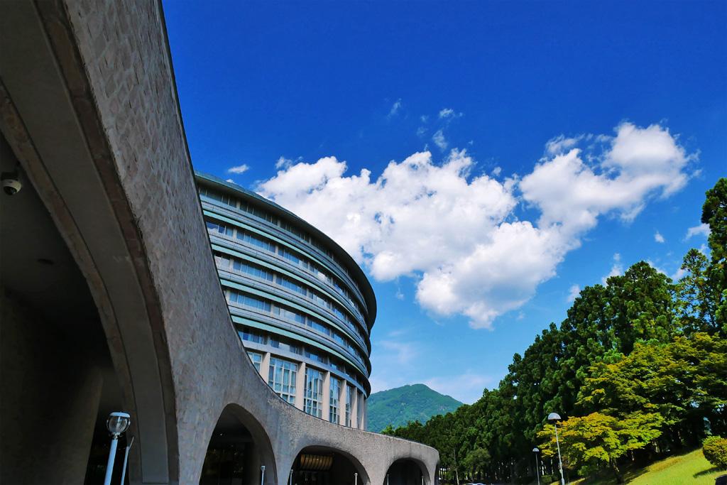ザプリンス京都宝ケ池と比叡山の写真素材