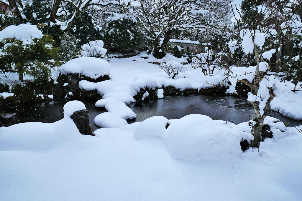 雪 実光院の写真素材