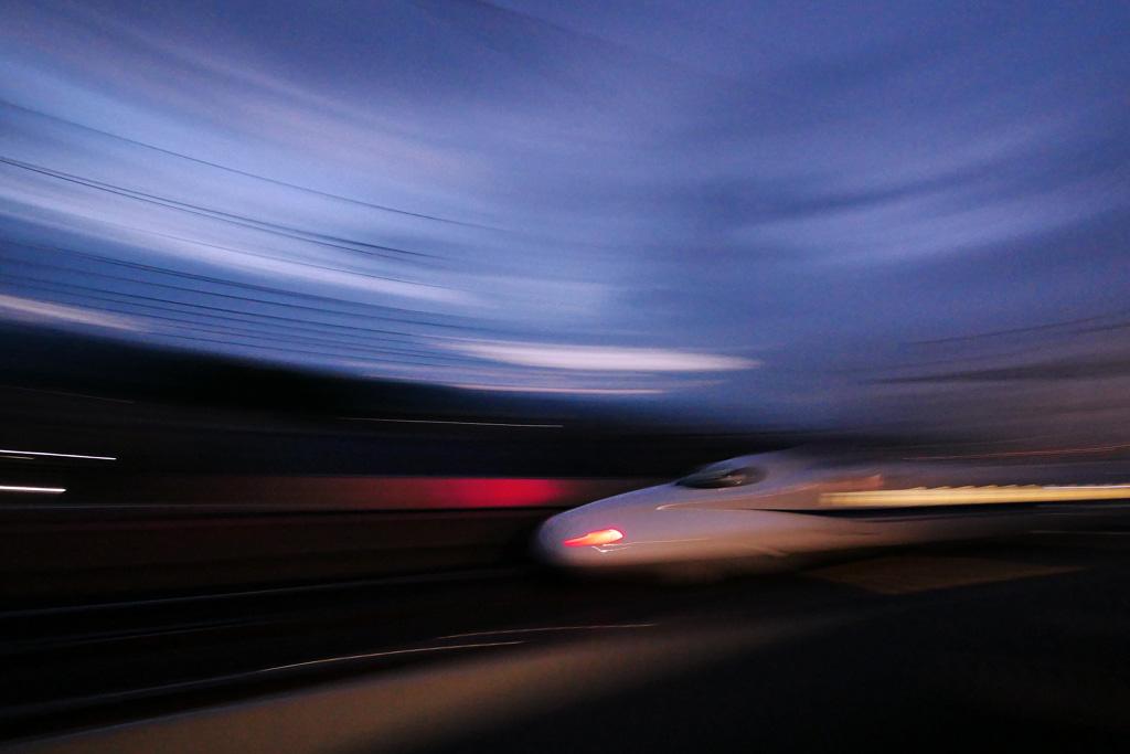 京都の新幹線 夜の写真素材