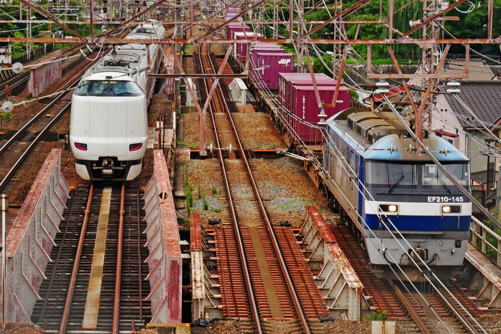 京都のJR貨物列車 EF210-145の写真素材