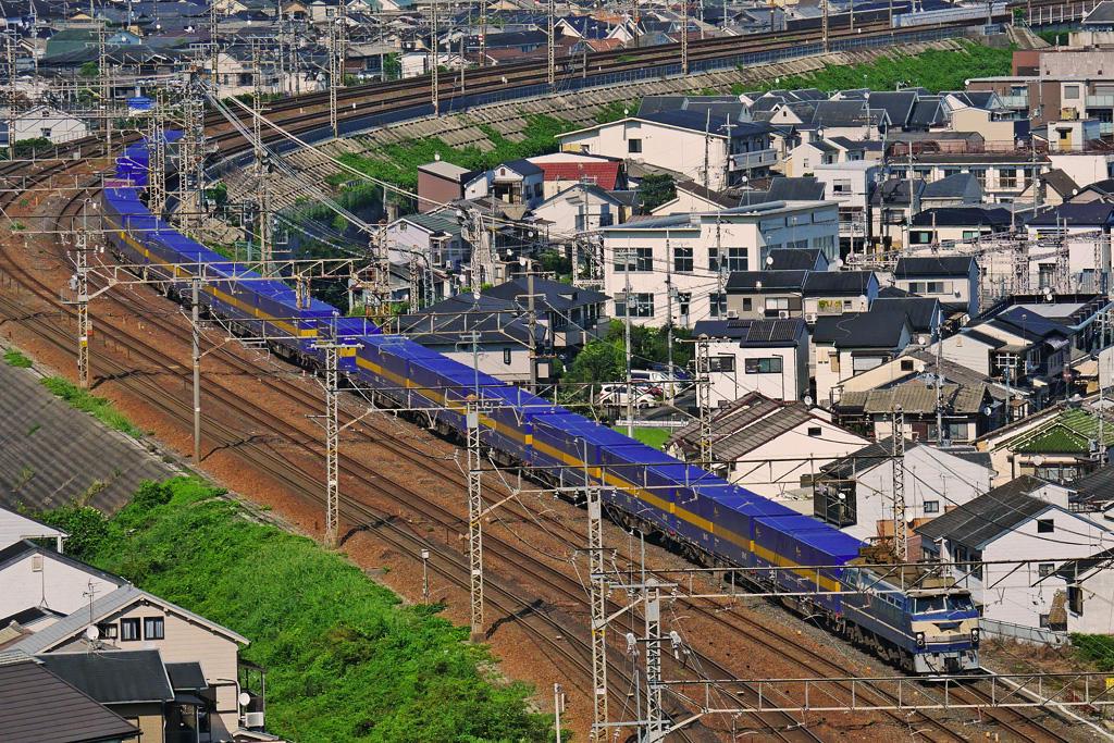 京都山科のJR貨物列車EF66-27の写真素材