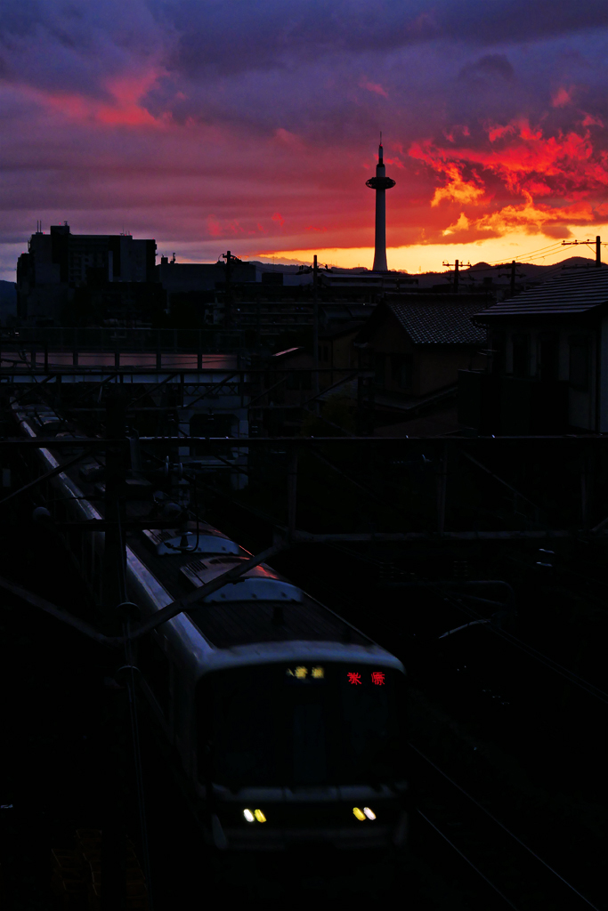 京都のJRと京都タワーの写真素材