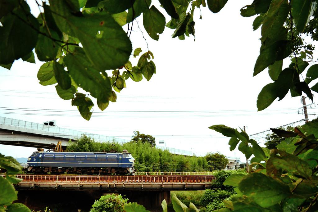 長慶公園から見るEF66-27の写真素材
