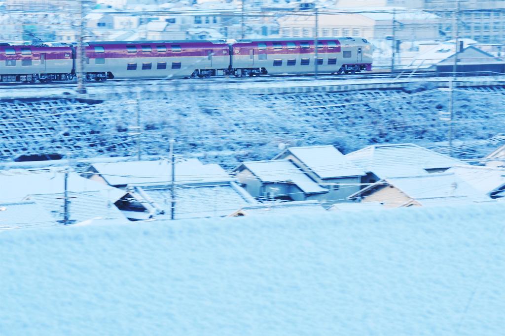 雪 京都山科の<br /> サンライズ瀬戸出雲の写真素材
