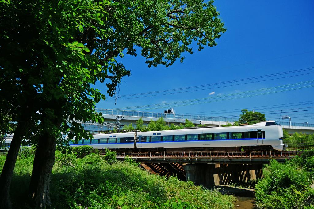 長慶公園から見るJR京都線の写真素材