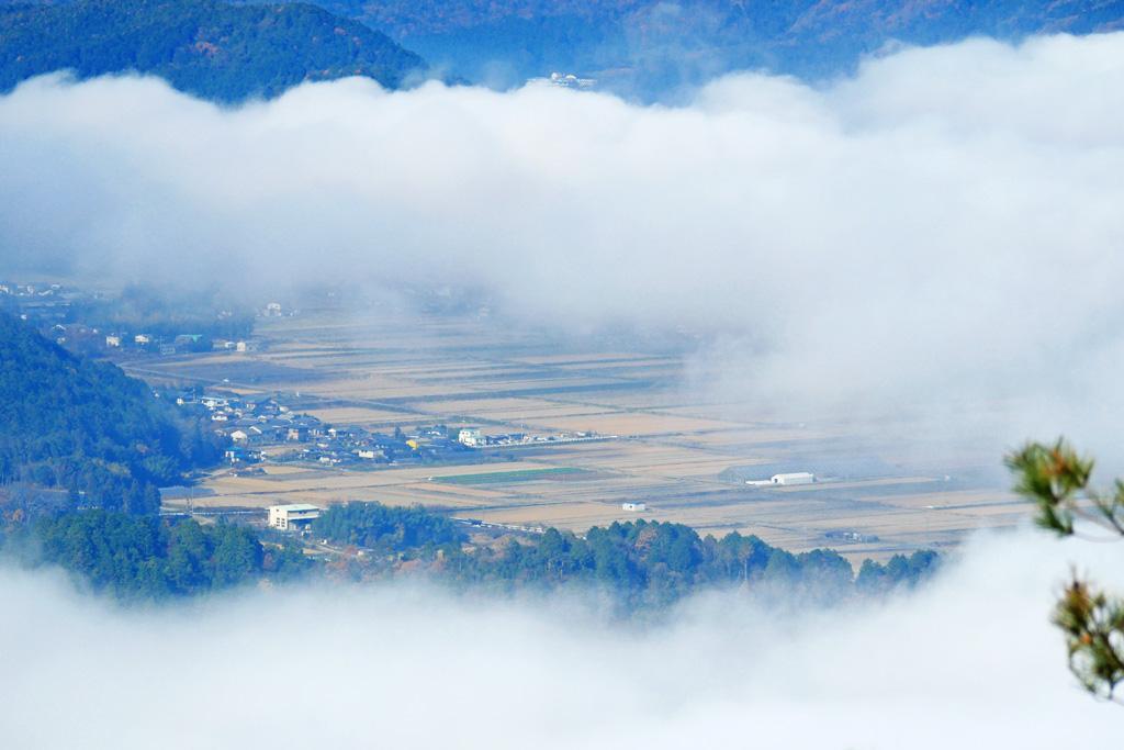 亀岡の霧(雲海)の写真素材