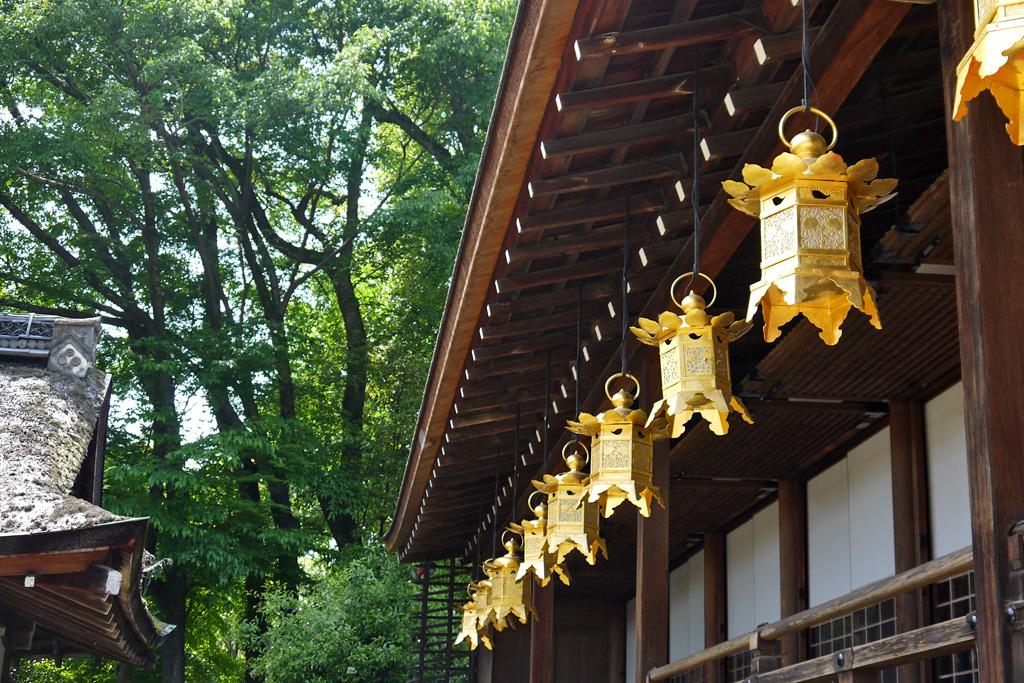 上賀茂神社の吊灯篭の写真素材