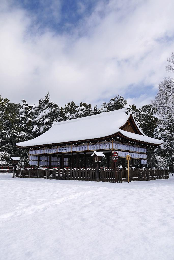 上賀茂神社の雪景色の写真素材