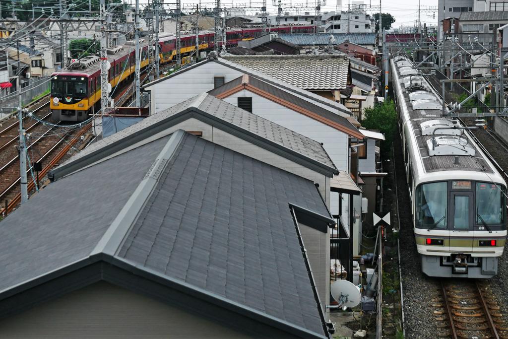 京阪とJR奈良線の写真素材