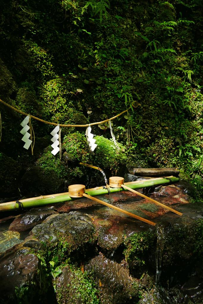 貴船神社の御神水の写真素材