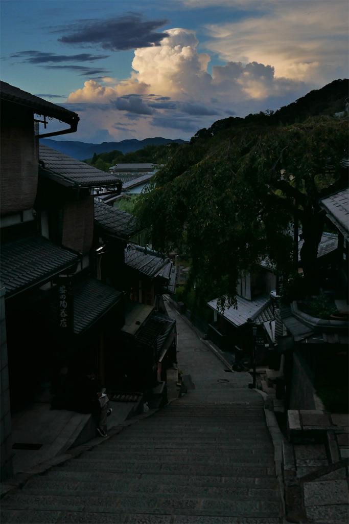 清水寺の周辺の夜景の写真素材