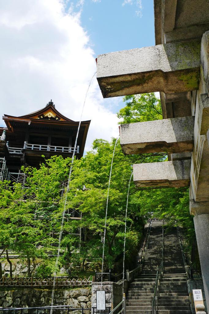 清水寺の音羽の滝の写真素材
