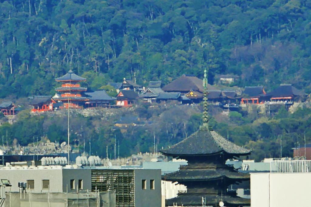 清水寺と東寺の夜景の写真素材