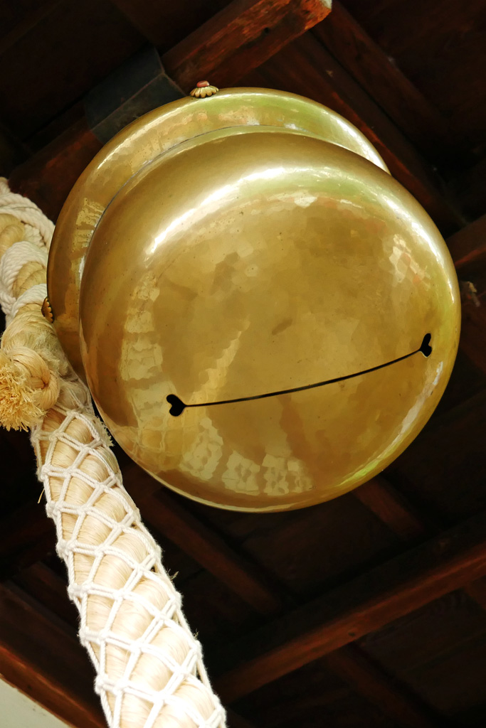 神社のハートの写真素材