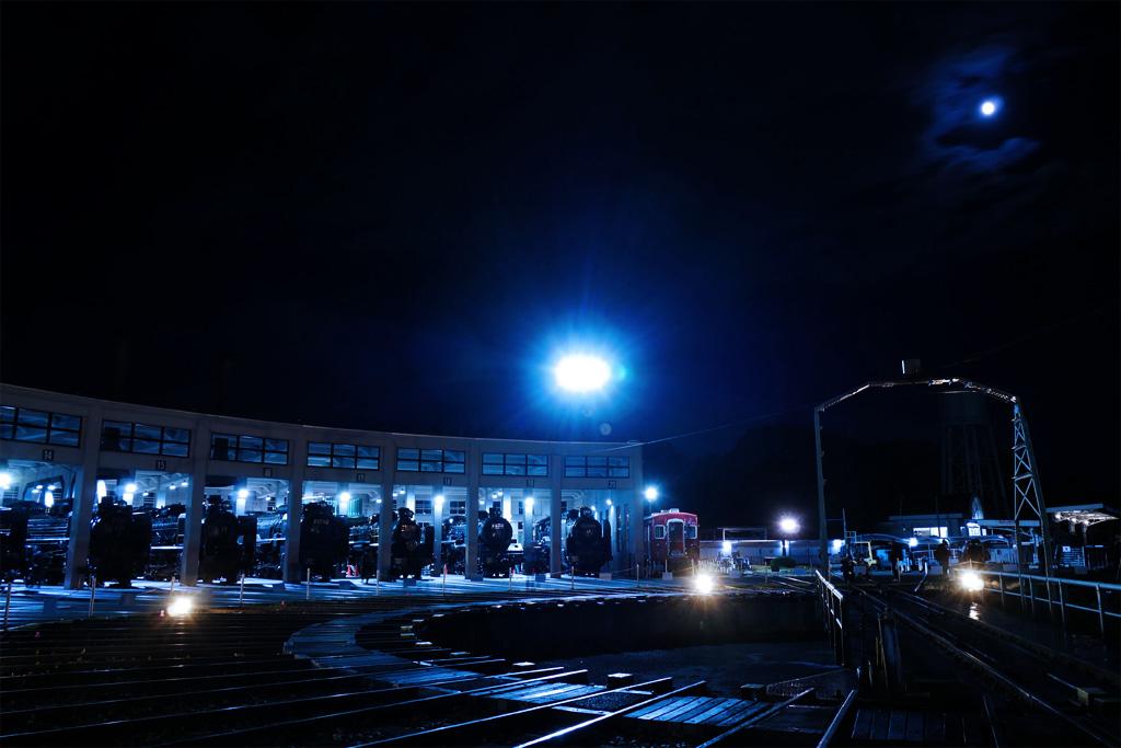 栗名月 京都鉄道博物館の写真素材