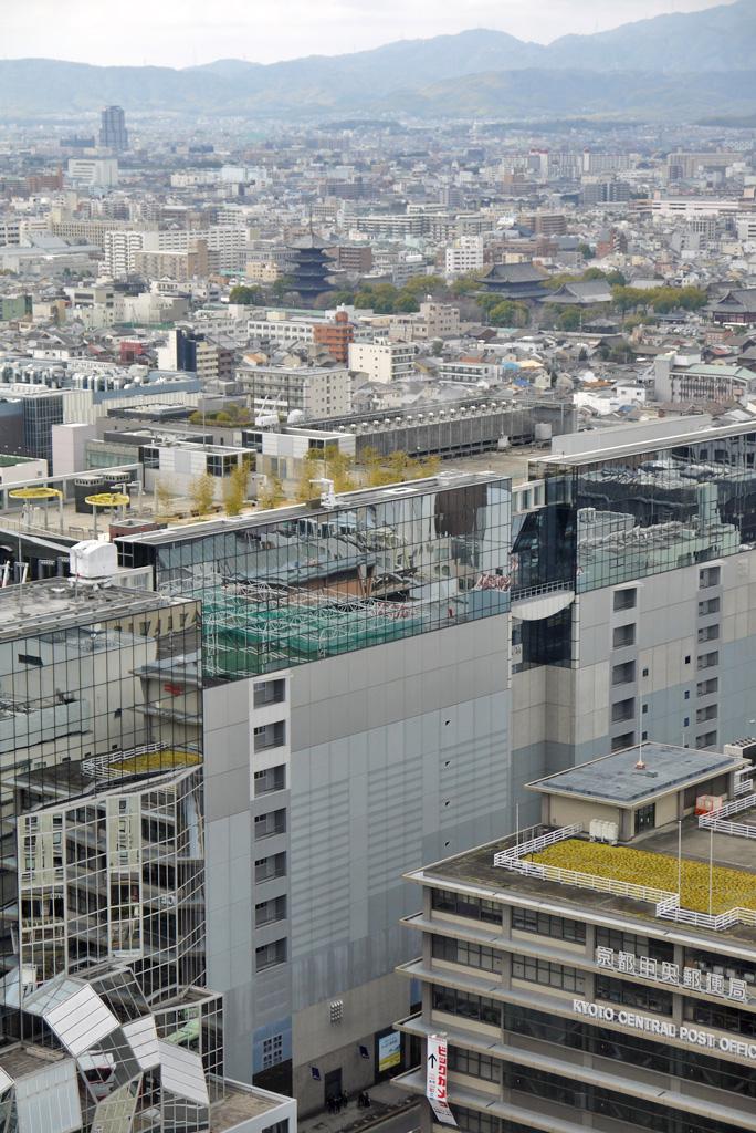 京都タワーから東寺   無料画像