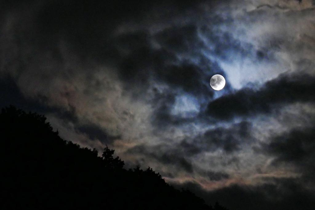 中秋の名月 満月の写真素材