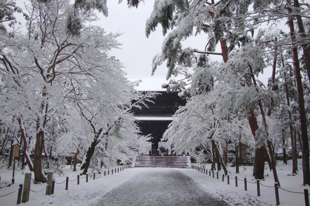 南禅寺の雪