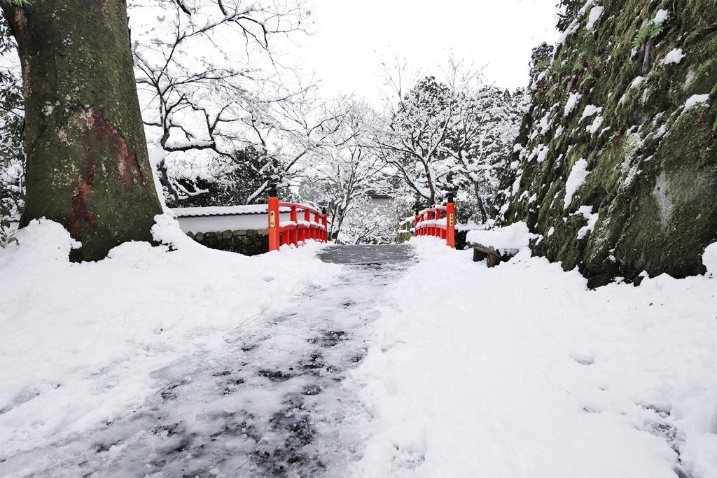 雪景色の大原の里の写真素材