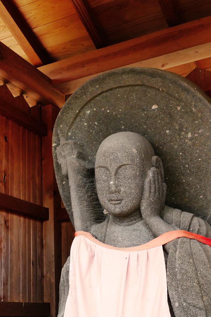 青谷 龍福寺の歯痛地蔵の写真素材