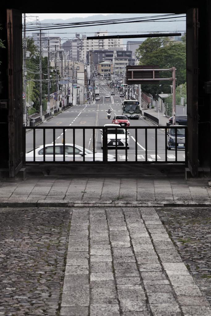 智積院から見る七条通の写真素材