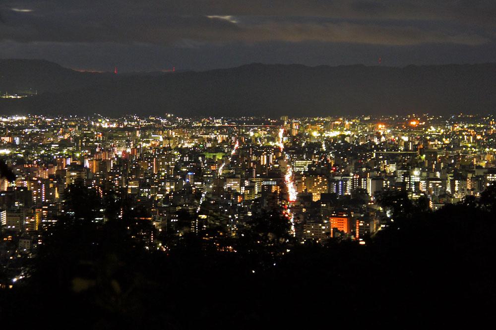 将軍塚大日堂の夜景