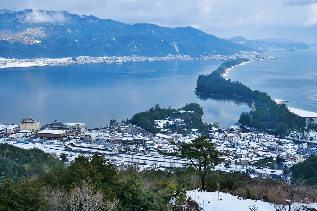 天橋立 京都丹後鉄道の雪景色の写真素材