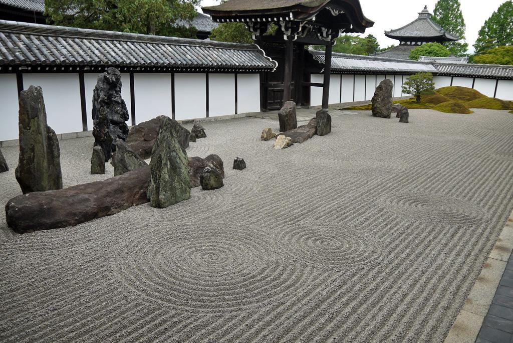 東福寺方丈の枯山水庭園