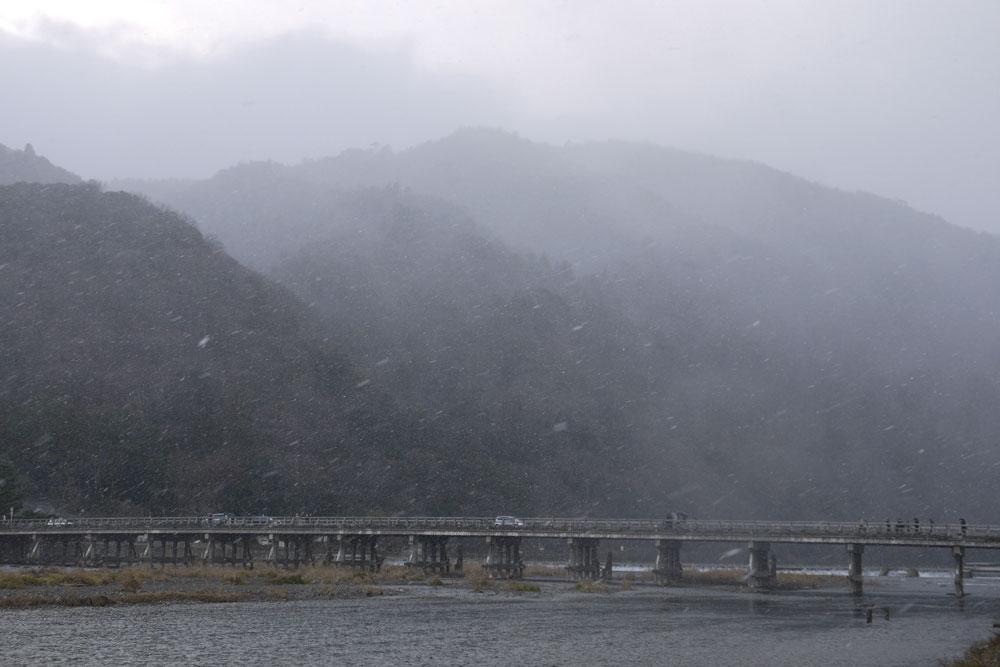 京都 嵐山 渡月橋の冬の写真素材