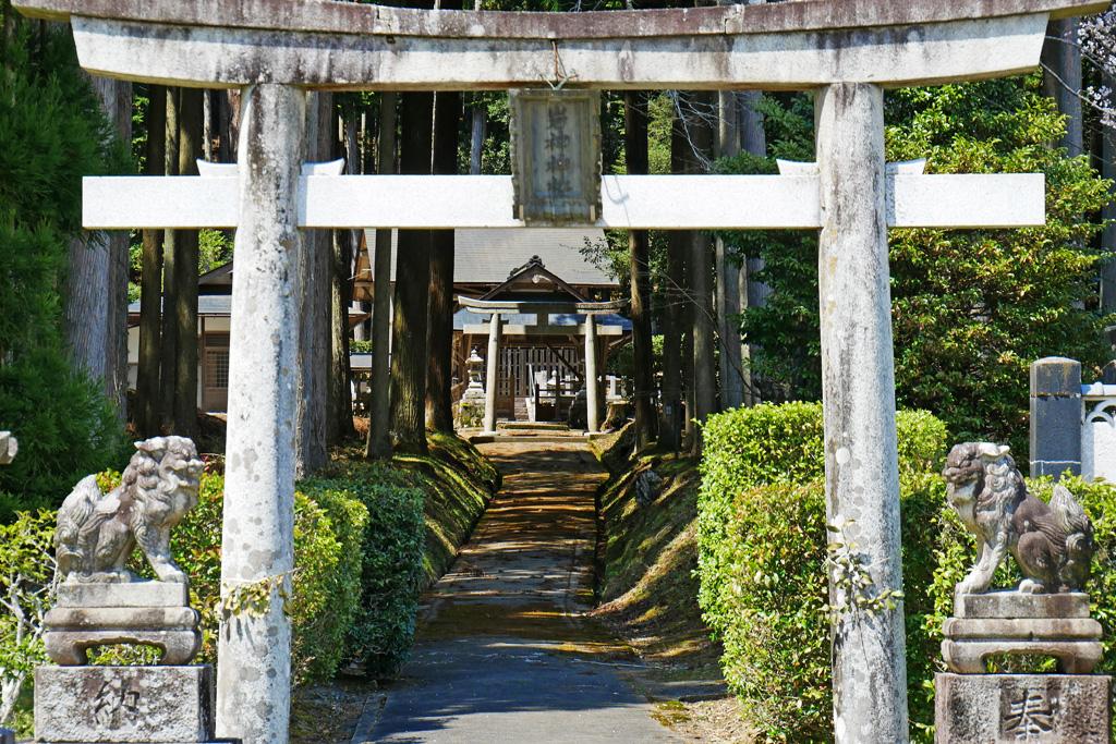 京北熊田町の岩神神社の写真素材