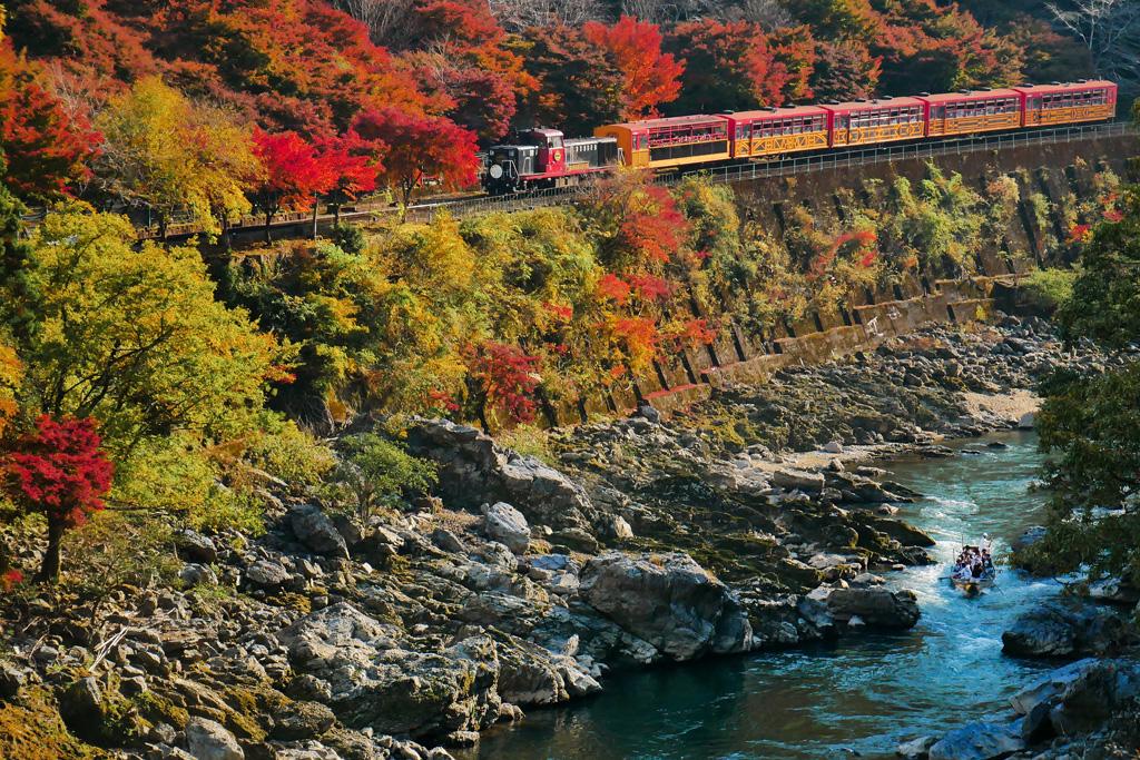 保津峡の紅葉の写真素材
