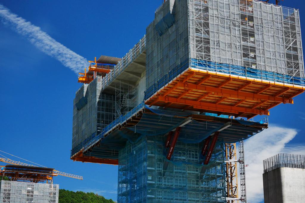 建設工事 新名神高速道路の写真素材